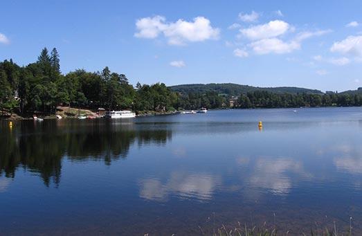 Le lac des sétons, lieu des journées Chant - Feldenkrais